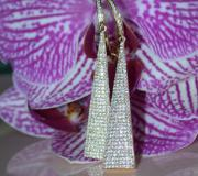 Interesting Dangling Earrings with Diamonds in Yellowgold image