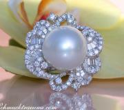 Magnificent AAA Southsea Pearl Ring with Diamonds (Ø 16 mm) image